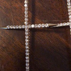 Natasha Jewelry - Natasha crystal shoulder grazing earring.
